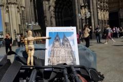 Der Kölner Dom ist zu groß!