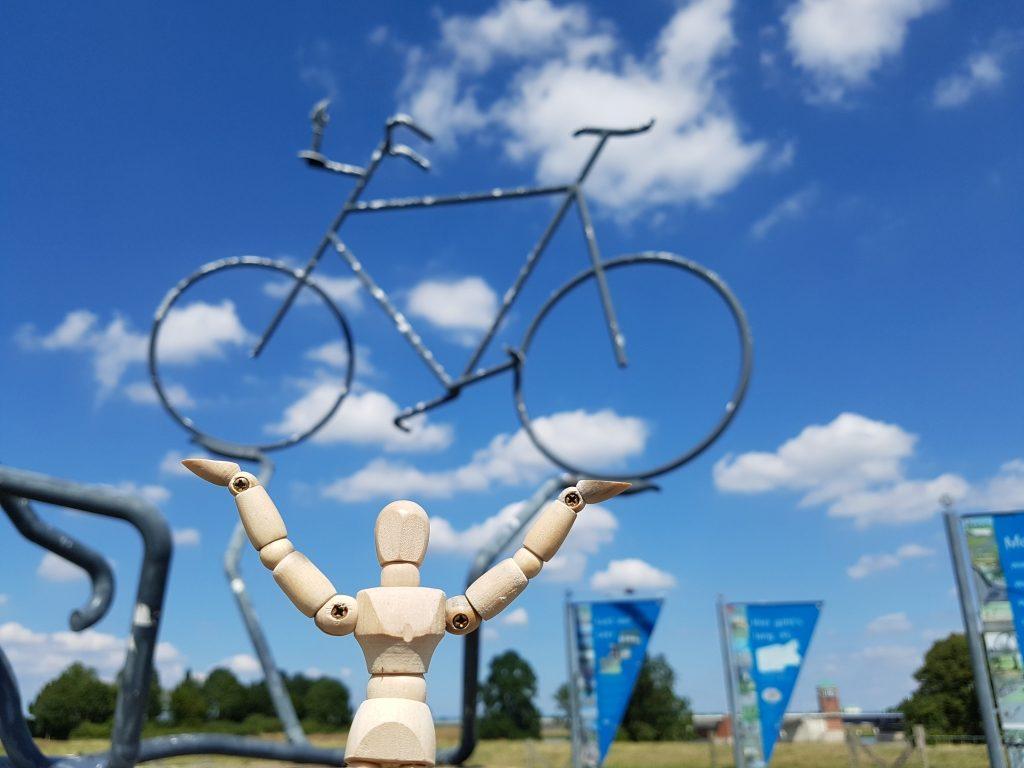 Skulptur Fahrrad Leer